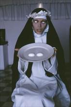 Les yeux sur le plat de sainte Lucie