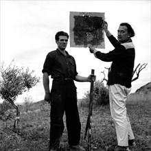 Salvador Dalí à Port Lligat, juillet 1957