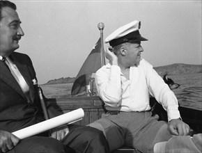 Salvador Dalí et Arturo Lopez rejoignent Cadaqués, 1956
