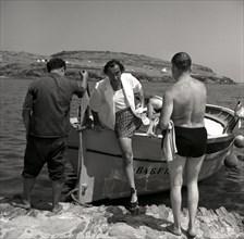 Retour de promenade : Arturo Caminada, Salvador Dalí, et Isidro Bea, à Port Lligat, 1959