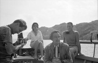 Reynolds Morse, Salvador Dalí, Gala et Robert Descharnes, Cap de Creus, 1959