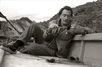 Salvador Dalí au Cap de Creus, 1959