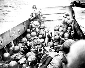 Allied troops landing in Normandy, France (1944)