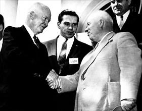 Le président Eisenhower et Khrouchtchev à Washington