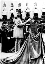 A Nancy, le maréchal Pétain prononce un discours aux obsèques du maréchal Lyautey