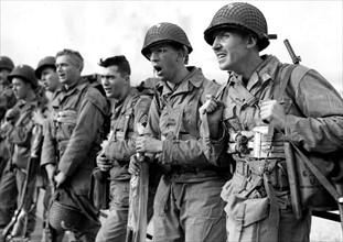 GI's avant le Débarquement sur les plages de Normandie (juin 1944)