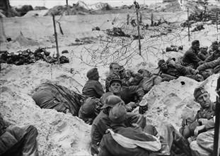 Prisonniers allemands sur les plages de Normandie (Juin 1944)