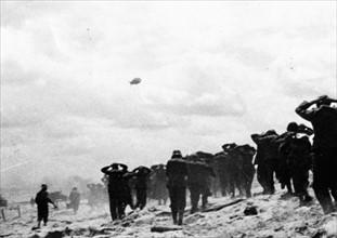 Prisonniers allemands à Utah Beach (1944)