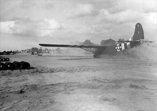 Gilder américain transportant du ravitaillement pour les Alliés (1944)