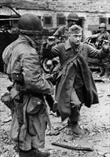 Reddition d'un soldat allemand (juin 1944)