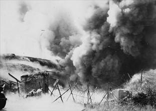 Explosion d'un blockhaus allemand (juin 1944)