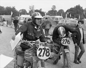 Der Hollywood-Star Steve McQueen aus den USA nahm 1964 mit der Startnummer...