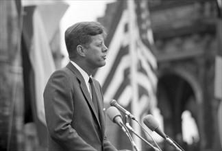 Le Président John F. Kennedy lors d'un voyage à Berlin