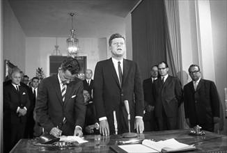 Le Président John F. Kennedy lors d'un voyage à Bonn
