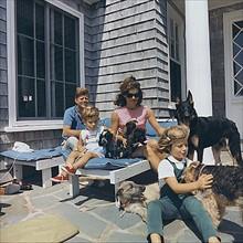 Le président John F. Kennedy et sa famille à Hyannisport
