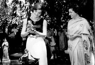 Jacqueline Kennedy et Indira Gandhi