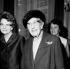 Dame AGATHA CHRISTIE British Writer Universal Pictorial Press Photo PGH...