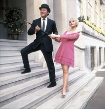 Patrick Macnee et Linda Thorson