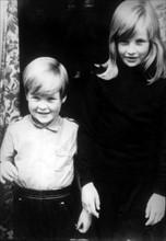 Diana Spencer et son frère Charles, 1968