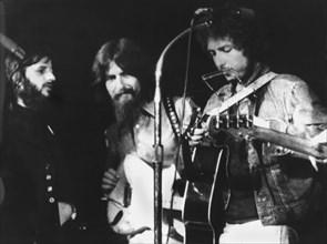 Les Beatles et Bob Dylan sur scène, 1971