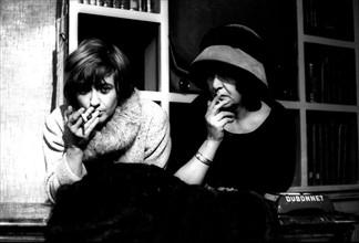Françoise Sagan dans les coulisses du théâtre du Gymnase
