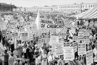 Marchers and Signs, March on Washington for Jobs and Freedom, Washington, D.C., USA, photograph by Marion S. Trikosko, August 28, 1963