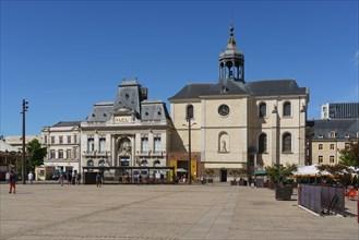 Place de la République, Le Mans