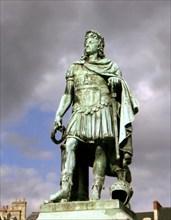Statue de Louis XIV, à Caen