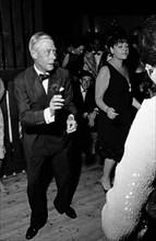 Le Duc de Windsor et Régine, 1964