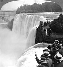 Niagra Falls from Goat Island, New York, USA.Artist: Realistic Travels Publishers