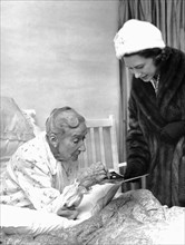 Princess Margaret talks to 85-year-old Mrs Clare Agnes, Woodcote Grove House, Surrey, 1962. Artist: Unknown