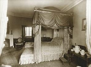 Lord Byron's bedroom, Newstead Abbey, Nottinghamshire, 1905. Artist: Henson & Co