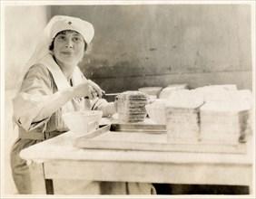 Nurse making sandwiches, Fort Sheridan, Illinois, USA, 1920. Artist: Unknown