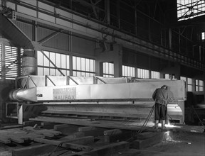 Steelworker at Park Gate Iron and Steel Co, Rotherham, South Yorkshire, April 1964.  Artist: Michael Walters