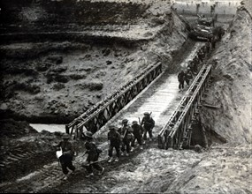 British troops crossing the Santerno River, Italy, 1945. Artist: Unknown