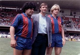 Diego Armando Maradona (1960 -), Argentine footballer, Hendrik Johannes Cruyff (1947 -), Dutch fo?