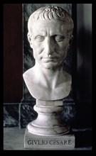 Julius Caesar, Gaius (101-44 a.C.), Roman general and Emperor, bust in marble.