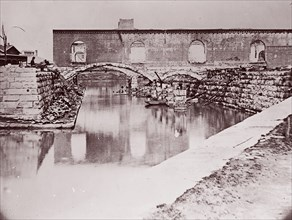 Ruins near Canal Basin, Richmond, 1865. Formerly attributed to Mathew B. Brady.