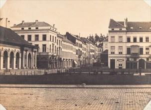Vue de face du balcon avant l'entière construction de la place, 1854-56.