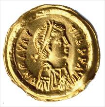 Tremissis of Emperor Maurice Tiberius (r. 582-602), Byzantine, ca. 582-602.