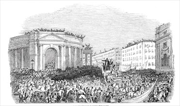 The procession passing the Bank