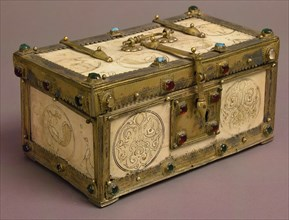 Casket with Painted Roundels, Italy, late 12th-early 13th century.