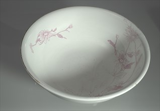 Washbowl owned by members of the Ellis family, late 19th-early 20th cent. Creator: S. Bridgwood & Son.