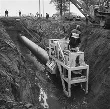 Thrust boring being carried out during the installation of the Fens gas pipeline, Norfolk, 20/09/196 Creator: John Laing plc.