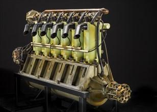 Union Type 1-6, In-line 6 Engine, ca. 1917. Creator: Union Gas Engine Company.