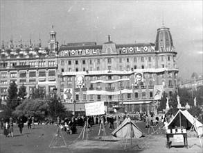 L'hôtel Colon de Barcelone, avec les effigies de Lénine et Staline sur la façade