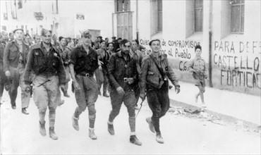 Défilé de troupes phalangistes, 1938