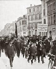 Manifestations syndicales du 1er mai 1920 à Versailles