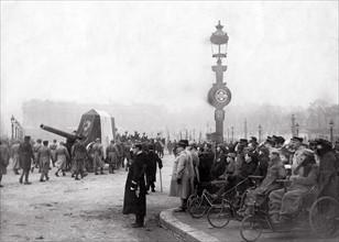 Passage du Soldat inconnu place de la Concorde, 1920