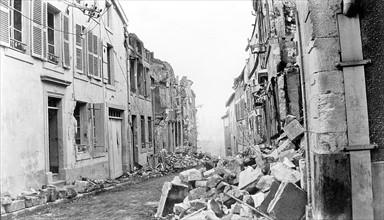 La ville de Verdun en ruines, 1916.